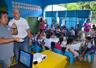 Epson provides technical training for Lantern Vision Learning Center