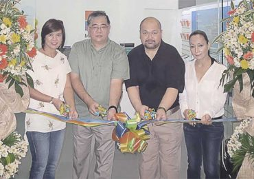 Microsoft stores now open at SM Megamall and SM North Edsa