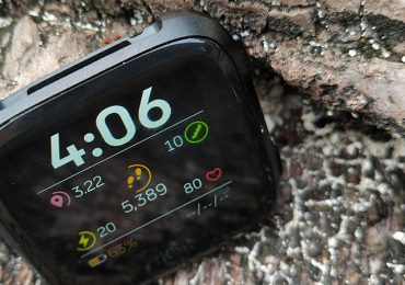 Fitbit Versa Review: Lightweight SmartWatch & Fitness Tracker