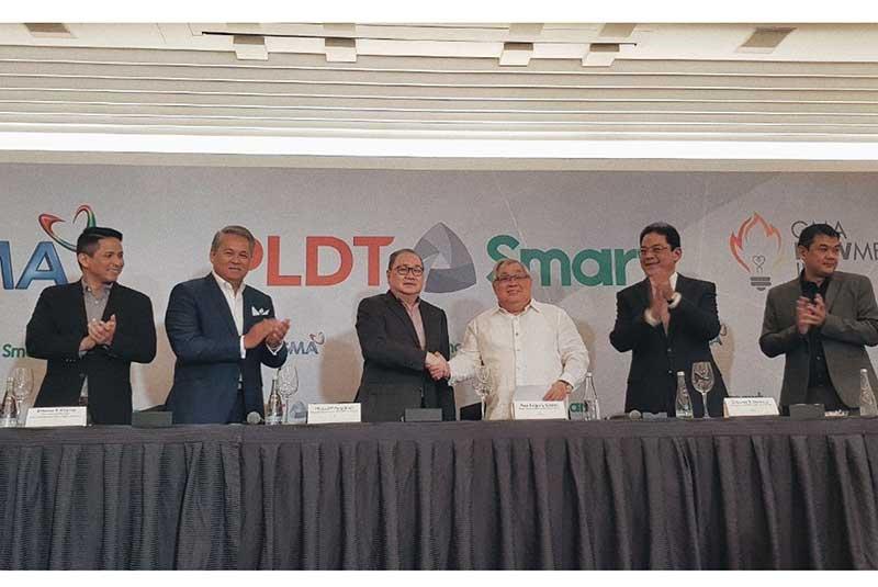 GMA Network, PLDT-Smart partner for game-changing  digital TV innovation