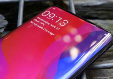 "OPPO has totally removed the notch with their ""under the display"" front camera smartphone"