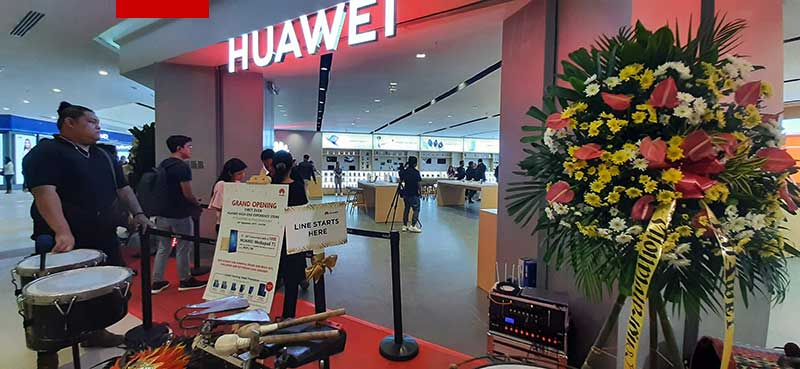 Huawei Ayala Malls Manila Bay now open; A high-end Experience Store